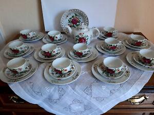Teeservice Ostfriesische Rose ähnlich A.Warnecke für 12 Personen handgemalt