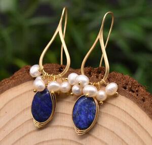B15 vergoldete Ohrringe weiße Süßwasserperlen blauer Lapislazuli