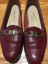 SALVATORE FERRAGAMO RED Textured SIGNATURE LOAFERS FLATS Gold Buckle 8 2A  Italy