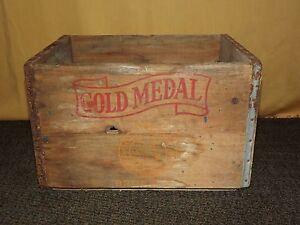 VINTAGE 1961 GOLD MEDAL FARMS BRONX NY WOOD MILK BOTTLE BOX