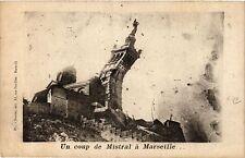 CPA Un coup de mistral a MARSEILLE (403635)