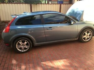 WRECKING,VOLVO C30 T5 AUTOMATIC 138,000 KMS,WHOLE CAR ,DISMANTLING PARTING