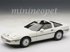 AUTOart 71243 1986 86 CHEVROLET CORVETTE 1/18 DIECAST MODEL CAR WHITE