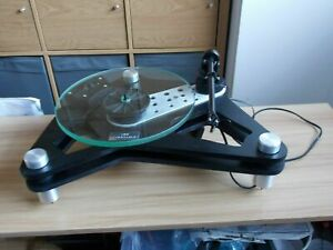 ARB audiophile turntable with Rega RB 3 point mounting arm