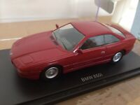 UNIVERSAL HOBBIES 4664 BMW 850i model road car burgundy Legend Series 1:43rd