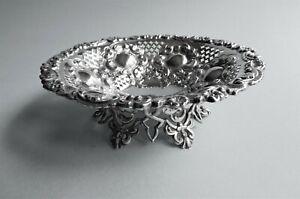 Antique sterling silver footed dish c 1899 Walker & Hall Sheffield U.K..