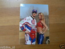F104- STEFAN EVERTS WITH 1 GIRL 2001 YAMAHA L&M MOTOCROSS MX CROSS PHOTO