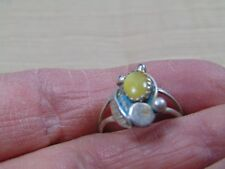 SMALL DAINTY STERLING SILVER RING  NAVAJO MADE REAL PRETTY WITH STONE SIZE 7