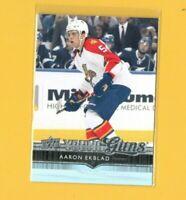 D19940  2014-15 Upper Deck #225 Aaron Ekblad YG YOUNG GUNS ROOKIE CARD