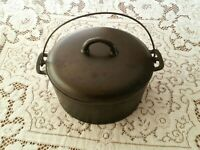 WAPAK HOLLOW WARE CO No 9 CAST IRON DUTCH OVEN WITH LID!