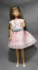 Vintage Mattel Barbie Sister Skipper - Brunette - Bend Knees - in Tagged Dress