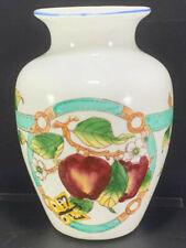 Chinese porcelain Hand made Bone China Vase Maid in China