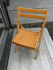 Solid wood folding chair LB300620A
