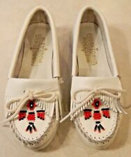 Girls Minnetonka White Leather Beaded Moccasin 5.5 5 1/2  EUC Worn 1X Clean