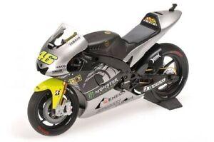 Yamaha YZR-M1 Test Sepang V. Rossi 2013 - 1:12
