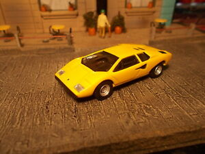 Kyosho Lamborghini Countach LP400 1/64