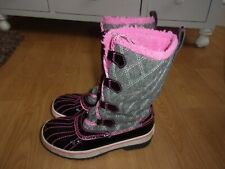 Skechers Highlanders Quilt 'n' cute cold weather Grey & Pink girls boots size 13