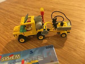 Lego City Town Set 6667 Road Repair Car (1993).