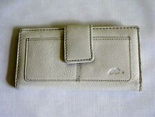 Roots Leather Women's Clutch Bifold Wallet