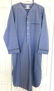 NWOT Brooks Brothers Med Broadcloth Wrinkle Resistant Blue Night Shirt Mens
