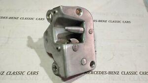 MERCEDES W113 250SL 280SL W108 W109 W114 W115 RIGHT FRONT DOOR LOCK LATCH CATCH