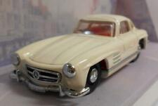 Dinky 1/43 Scale Diecast Model DY-12 1955 MERCEDES BENZ 300SL GULLWING WHITE