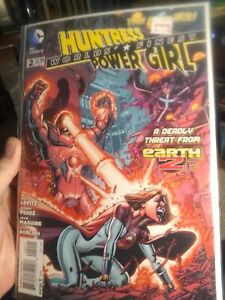 Worlds' Finest #2 Huntress And Power Girl The New 52! August 2012 DC Comics