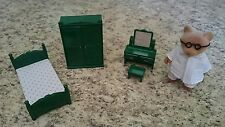 Sylvanian Families Calico Critters Vintage Green Bedroom Furniture with Bear