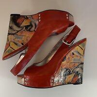 Zinc Women's Red 🍒 Leather Graffiti  Wedge Platform High Heels Shoes Size 8.5 M