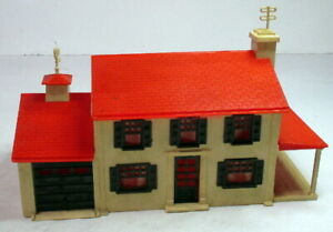 Plasticville~O/S Scale House~Colonial 2-Story~Garage~Red Roof,Brown Windows