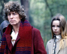 Tom Baker and Lalla Ward UNSIGNED photo - H2494 - Doctor Who