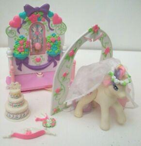 1998 my little pony wedding chapel dainty dove playset pony ring cake comb