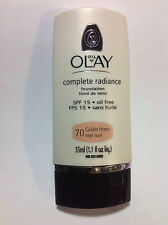 Oil of Olay Complete Radiance Foundation SPF 15 Oil Free ( Golden Honey #70 ).