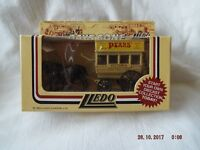 LLEDO MODELS OF DAYS GONE  PEAR'S SOAP HORSE DRAWN BUS  (RAY)