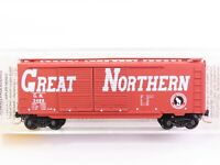 N Scale Micro-Trains MTL 23220 GN Great Northern 40' Double Door Box Car #3486