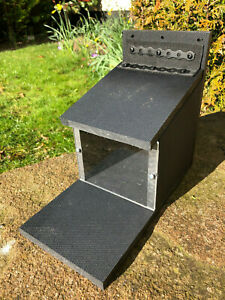 SQUIRREL FEEDER BOX NEW  100% RECYCLED PLASTIC ALL PROCEEDS TO CHARITY