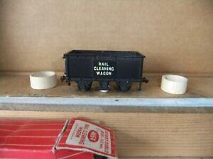 Hornby Dublo 4654 2/3 rail Rail Cleaning Wagon, boxed, complete, looks unused