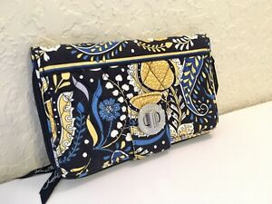 Vera Bradley Turnlock Wallet Ellie Blue (Retired Print)
