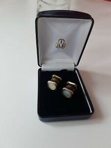Vintage 1930s Lion Brand Art Deco mother of pearl gold tone double sided snap