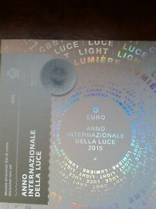 saint-marin coffret bu 2015 avec piece de 5 euros (9 pièces)