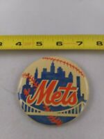 Vintage 1980's NEW YORK Mets baseball pin button pinback *EE78