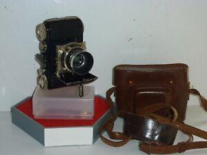 KODAK RETINA MODEL 117, 35mm FOLDING CAMERA, CASE & SCREW LENS HOOD. COLLECTABLE