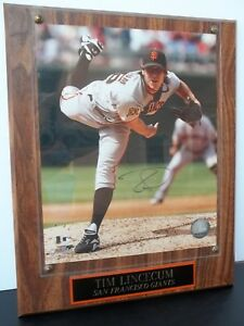 TIM LINCECUM SIGNED PHOTO EMBEDDED ONTO WOODEN PLAQUE + MLB AUTHENTICITY STICKER