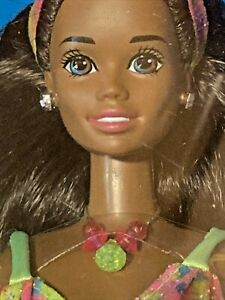 Glitter Beach Christie Barbie #4907 Long brunette hair~ blue eyes 1993 Vintage