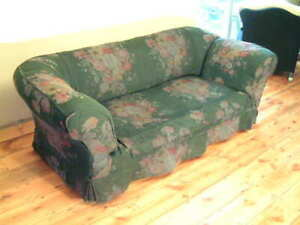 Drop End Victorian Deep Buttoned Chesterfield with Washable Loose Fitted Cover