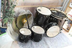 Schlagzeug pearl forum nicht komplett 4 Becken 5 Trommeln ohne Ständer Fußpedale