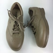 Soft Spots Supremes Taupe Leather Women's Size 10 W Comfort Shoes