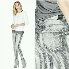 NWT GUESS MID-RISE CURVE X JEANS WITH PYTHON PRINT SIZE 25