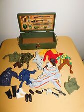 VINTAGE OLD TOY GI JOE WOOD FOOT LOCKER BOX WITH ACCESSORIES CLOTHES