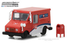 Greenlight 1:64 Hobby Exclusive Canada Post LLV Mail Truck with Mailbox 29889